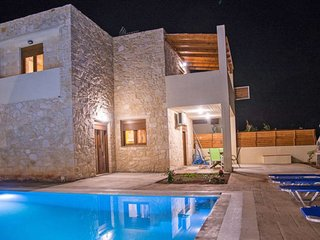3 bedroom Villa in Chárakas, Crete, Greece : ref 5679549