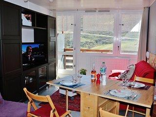 Studio ** plein sud, + balcon, pied de pistes + parking privatif + cellier