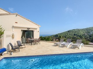 Begur Villa Sleeps 6 with Pool Air Con and WiFi - 5679463