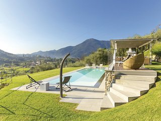 4 bedroom Villa in Pontemazzori, Tuscany, Italy : ref 5679513