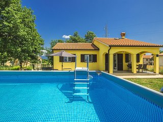3 bedroom Villa in Santalezi, Istria, Croatia : ref 5679356