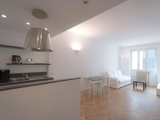 1 bedroom Apartment in Milan, Lombardy, Italy : ref 5679578