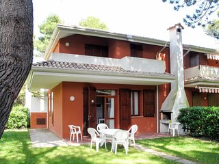2 bedroom Apartment in Ca Grande Pineda, Veneto, Italy : ref 5641511