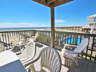 Parsonage Duplex-Create Tan Lines and Memories! Spend Your Vacation Here
