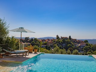 Luxurious Villa 150m2 / Infinity pool / Panoramic View / 6 people