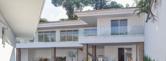 lovely house at a prestigious neighbourhood of Cali