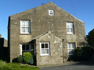 Westholme, charming Dales cottage in tiny Thwaite, dog-friendly, sleeps up to 4