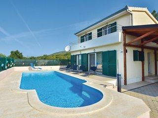 3 bedroom Villa in Miric, Splitsko-Dalmatinska Zupanija, Croatia : ref 5672901