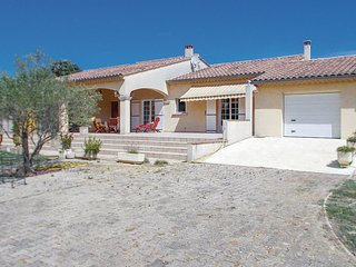 3 bedroom Villa in Orange, Provence-Alpes-Côte d'Azur, France : ref 5678330