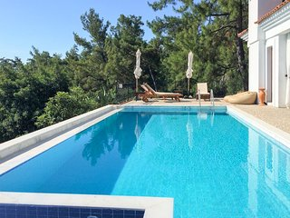 2 bedroom Villa with Pool, Air Con and WiFi - 5679568