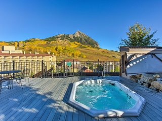 NEW! Updated Mt Crested Butte Condo-Walk to Resort