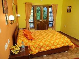 Munnar Blue Mist Cottage - Bedroom 1