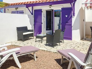 2 bedroom Villa in La Faute-sur-Mer, Pays de la Loire, France : ref 5678476