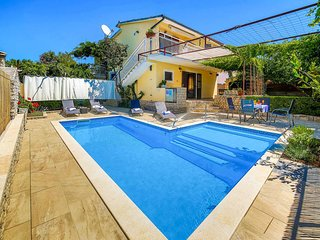 4 bedroom Villa in Vinišće, Splitsko-Dalmatinska Županija, Croatia : ref 5437427