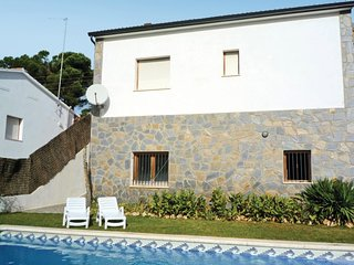4 bedroom Villa in Caulés, Catalonia, Spain - 5679483
