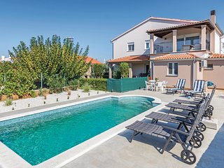 4 bedroom Apartment in Vodnjan, Istria, Croatia : ref 5679506