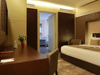 The Westist Hotel Pera Smart Room Twin Bed 3