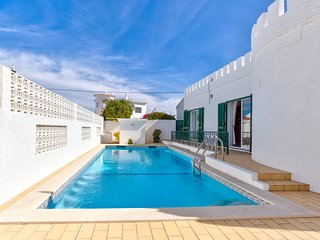 Beautiful 4 bedroom villa with pool.  Walking distance to town centre and beach.