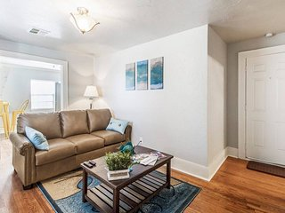 Aloha, beaches! 1Bd/1Ba, In the middle of NW OKC