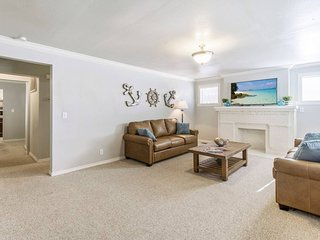 Life's a beach! 1Bd/1Ba, Perfect location