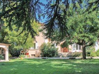4 bedroom Villa in Montelimar, Auvergne-Rhone-Alpes, France : ref 5522411