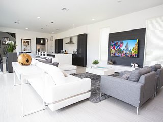 Luxury 6 bedrooms with themed bedrooms