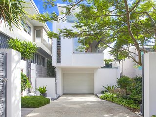43 DOUGLAS - designer home, the best location in Sunshine Beach.