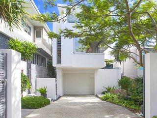 43 DOUGLAS - designer home, the best location in Sunshine Beach.