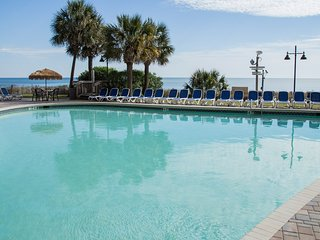 Pools + Hot Tubs + Lazy River. Suite w/ Direct Beach Access!
