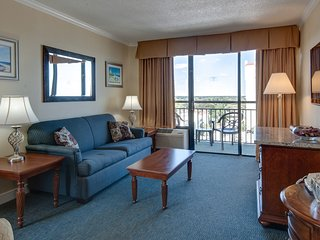 Ocean View Suite for 8 at Resort with 2 Pools, 4 Hot Tubs, Gym + More!