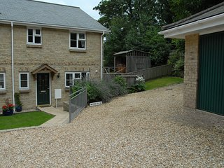 Old Village Shanklin Luxury three Bed House with Hot Tub