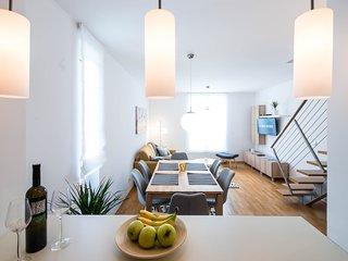 Beutiful fully renovated apartment