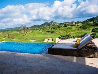 Caribbean Ocean House RO009