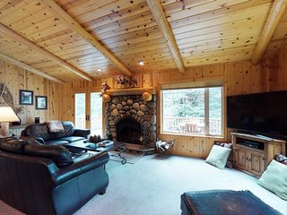 NEW LISTING! Dog-friendly gorgeous wood home w/deck, near trails/skiing/town