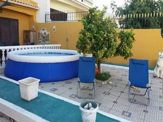 Spacious villa very close to the centre of Albufeira with Parking, Internet, Was