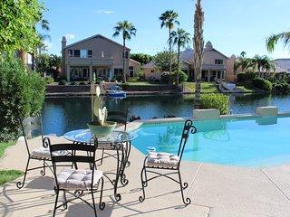 Desert Sapphire Villa 4BR w/ HEATED POOL!