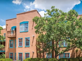 Take a colorful journey to Santa Fe!