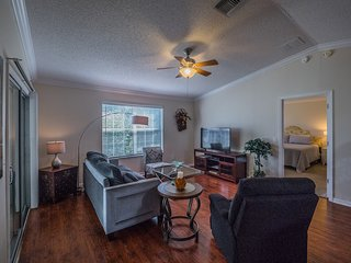 Relaxing 2 Bed Cottage*The Villages,Charlotte-#842