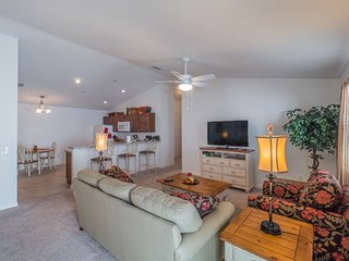 Relaxing 2 Bed Villa * The Villages,Charlotte-#848