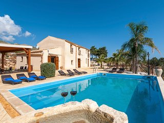 5 bedroom Villa in Viscari, Sicily, Italy : ref 5680220