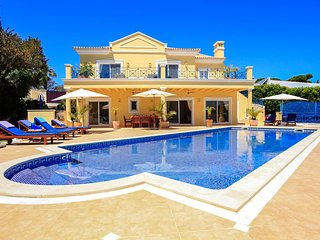 4 bedroom Villa in Vale do Lobo, Faro, Portugal : ref 5680368