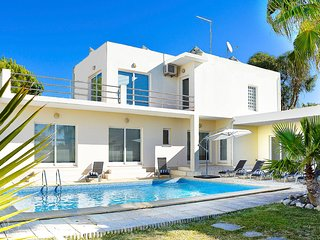 4 bedroom Villa in Sol Tróia, Setúbal, Portugal : ref 5680216