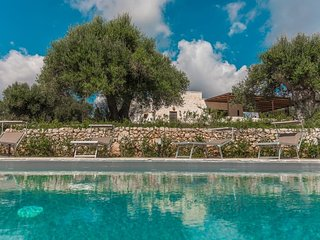 3 bedroom Villa in Cisternino, Apulia, Italy : ref 5679799