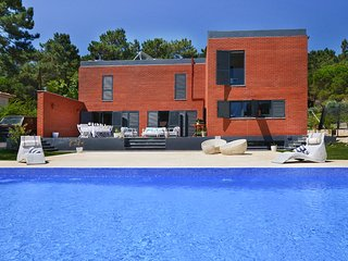 5 bedroom Villa in Aroeira, Setubal, Portugal : ref 5680214