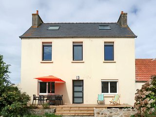 3 bedroom Villa in Kertissiec, Brittany, France : ref 5679428