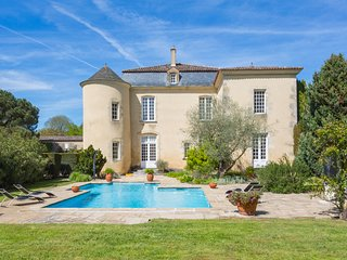 9 bedroom Chateau in Fontet, Nouvelle-Aquitaine, France : ref 5049708