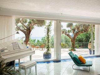 6 bedroom Villa in Sirenuse, Campania, Italy : ref 5248243