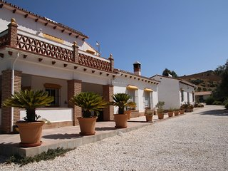 Bed & Breakfast Finca El Limonar located only 10min away from Alora