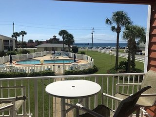Great Condo with Gulf View Steps to the Beach Free Golf & Parasailing!!