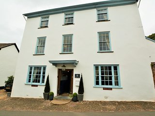 63301 House situated in Dunster